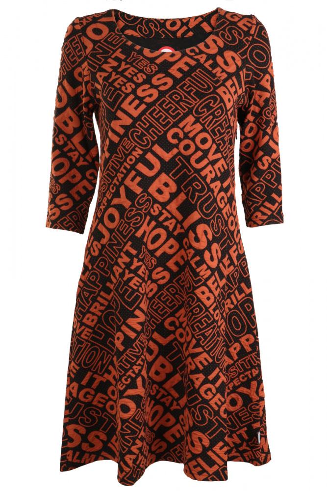 2255a083 Oransje kjole med tekst